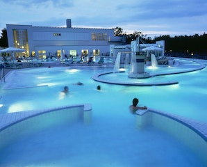 Europa-Therme Bad Füssing bei Nacht